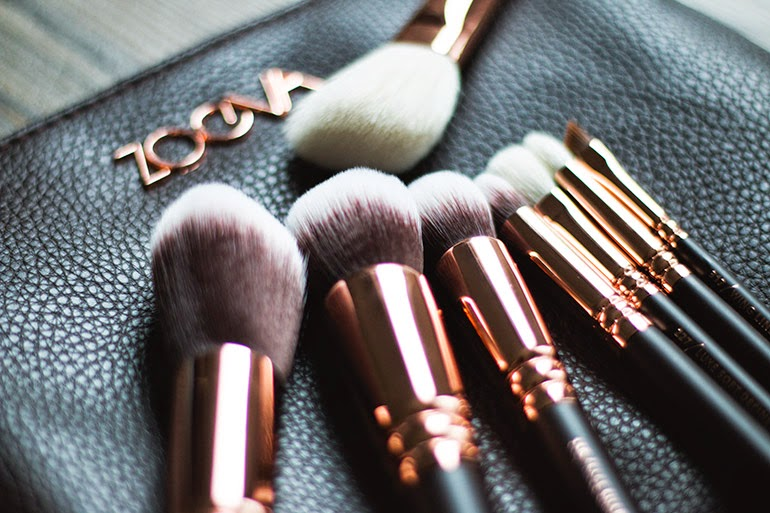 zoeva rose golden luxury brush set coralinart. Black Bedroom Furniture Sets. Home Design Ideas