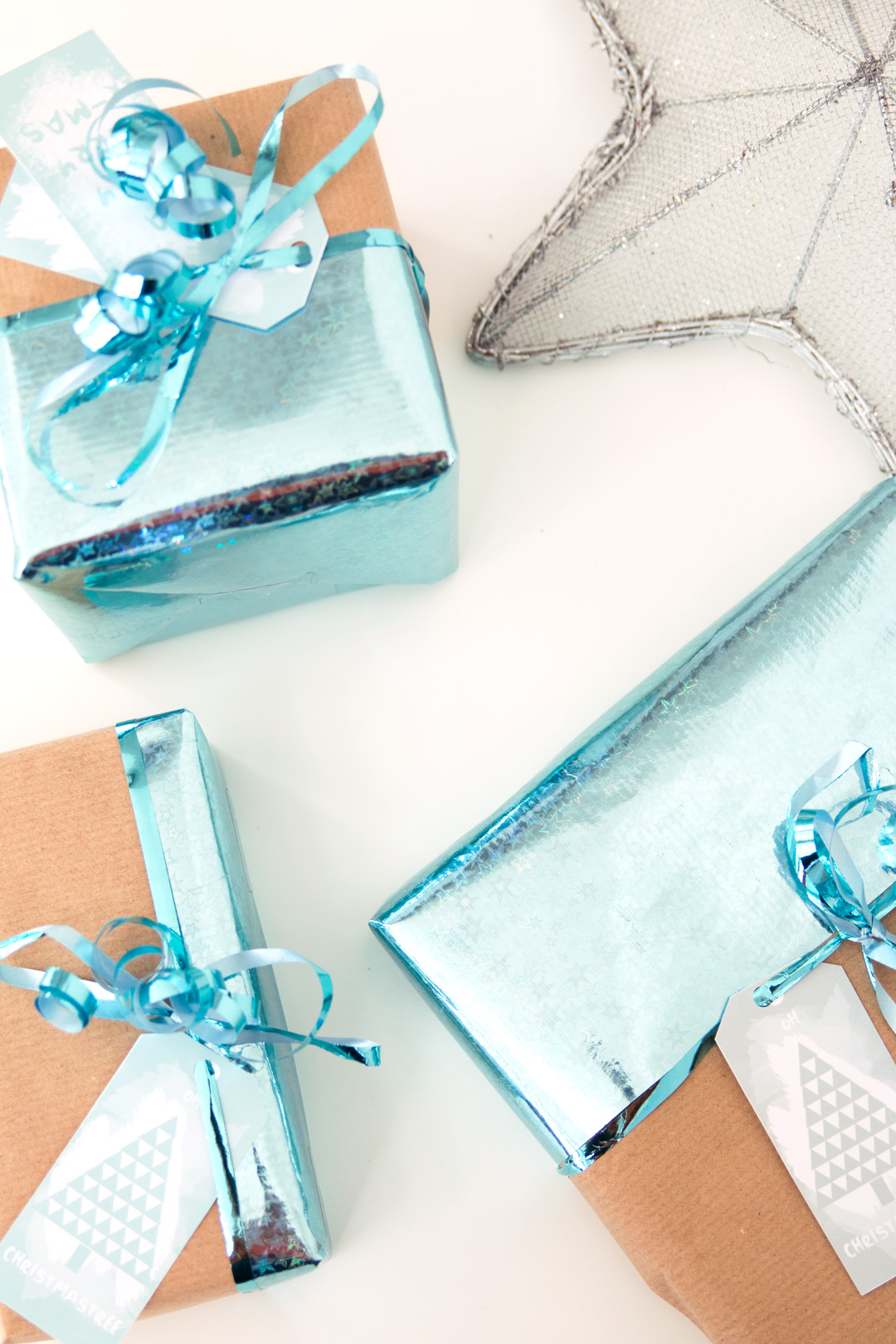 Wrap it up! Some Ideas & Free Gift Tag Printable