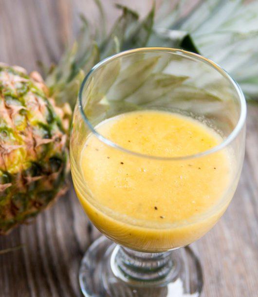 Veganer Ananas-Mango-Smoothie