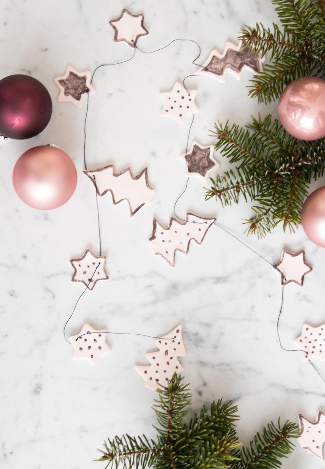 Weihnachtliche Tischgirlande aus FIMO { Create Yourself A Merry Little Christmas – 19. Türchen }