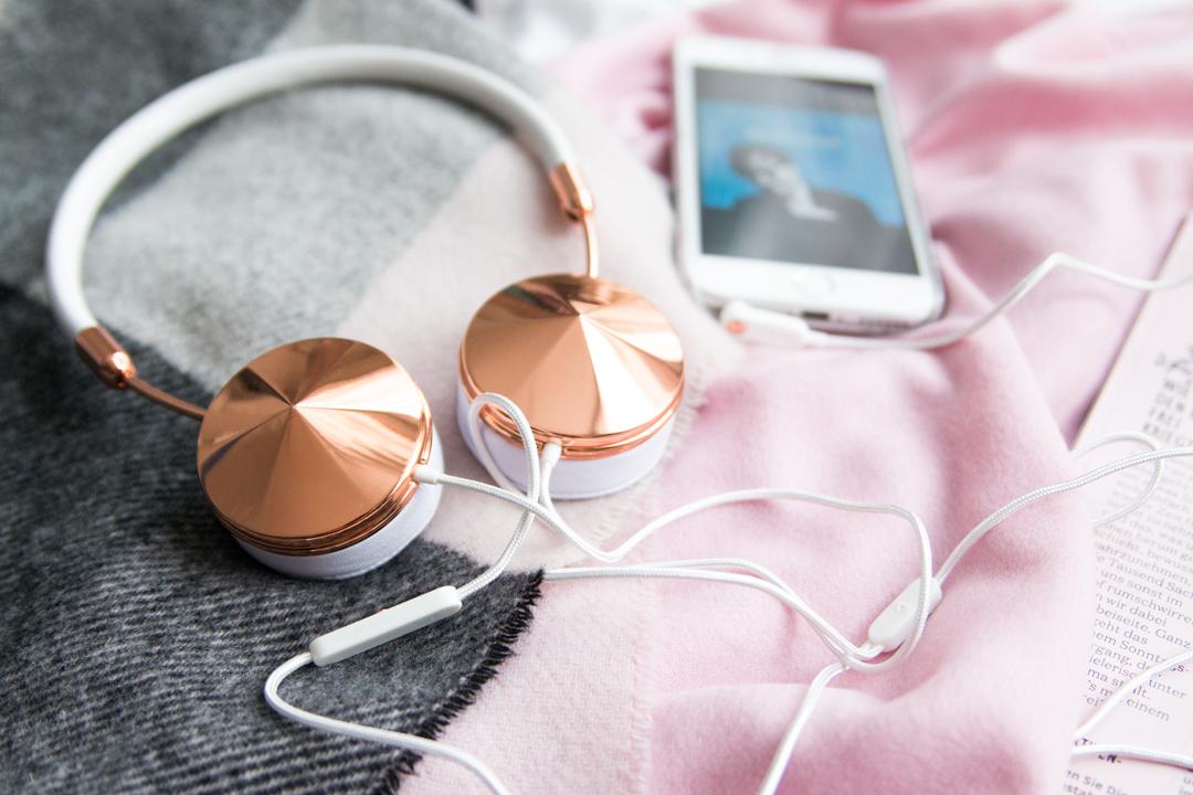 Warum Musik mich glücklich macht – Perfekter Klang mit dem FRENDS Layla Kopfhörer