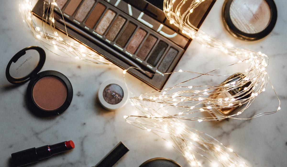 Glamouröses Make-Up für die Feiertage { Blogging under the mistletoe }