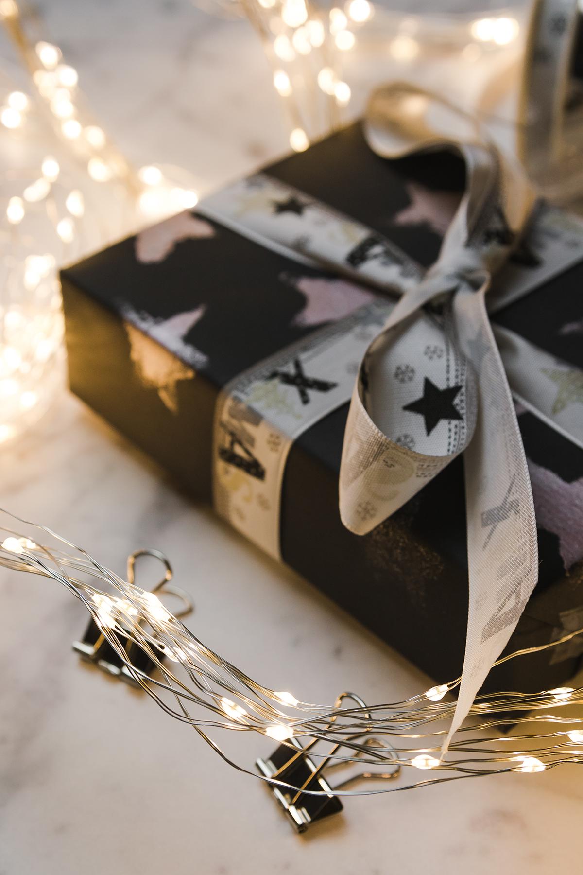 Geschenkpapier selbst bedrucken { Create yourself a merry little christmas }